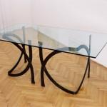 Kovácsoltvas asztal